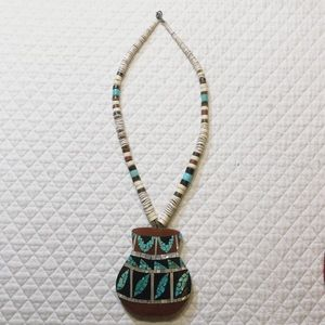 Stunning vintage inlaid tourquoise necklace.